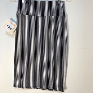 LuLaRoe by Cassie skirt strips black and white XS